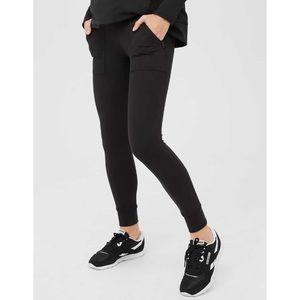AERIE   Offline Hugger High Waisted Zip Pocket Leggings Black XS